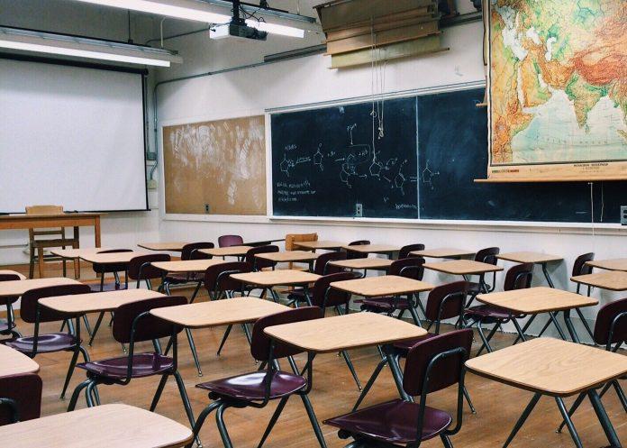 Od 1. júna žaci z 1. stupňa základných škôl opäť zasadnú do školských lavíc.